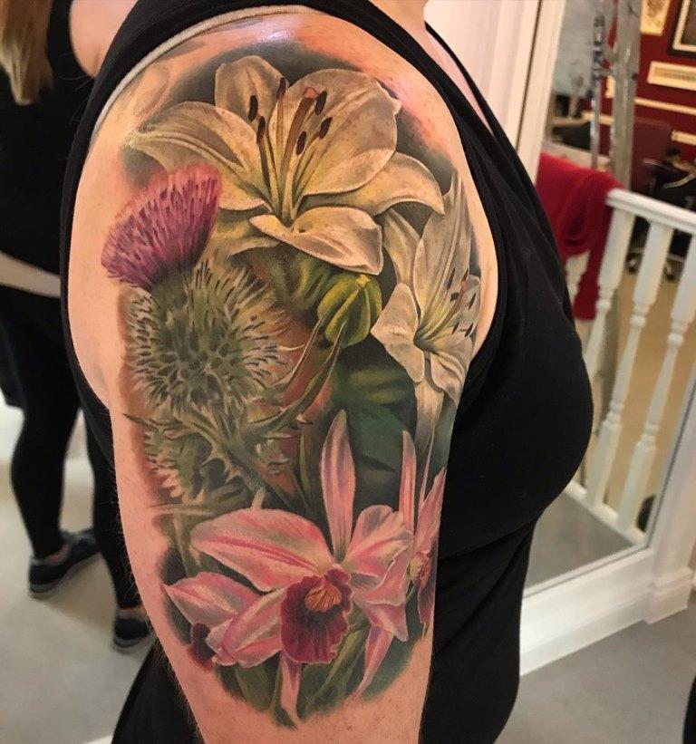 татуировка лилия значение