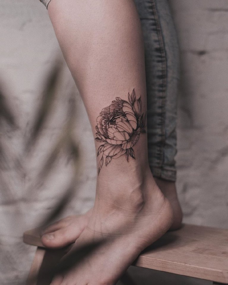 татуировка пион