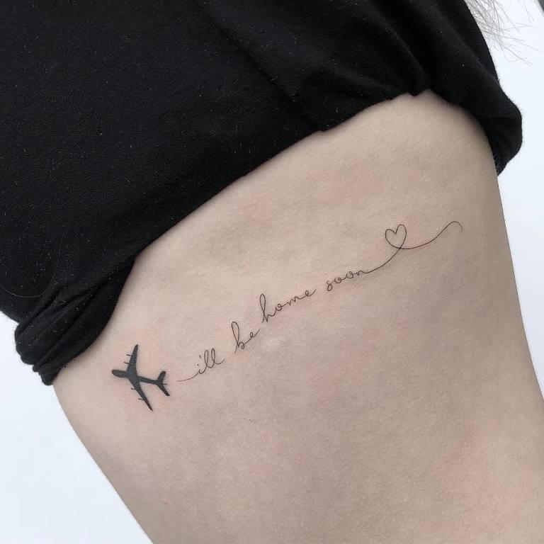тату самолет для девушки