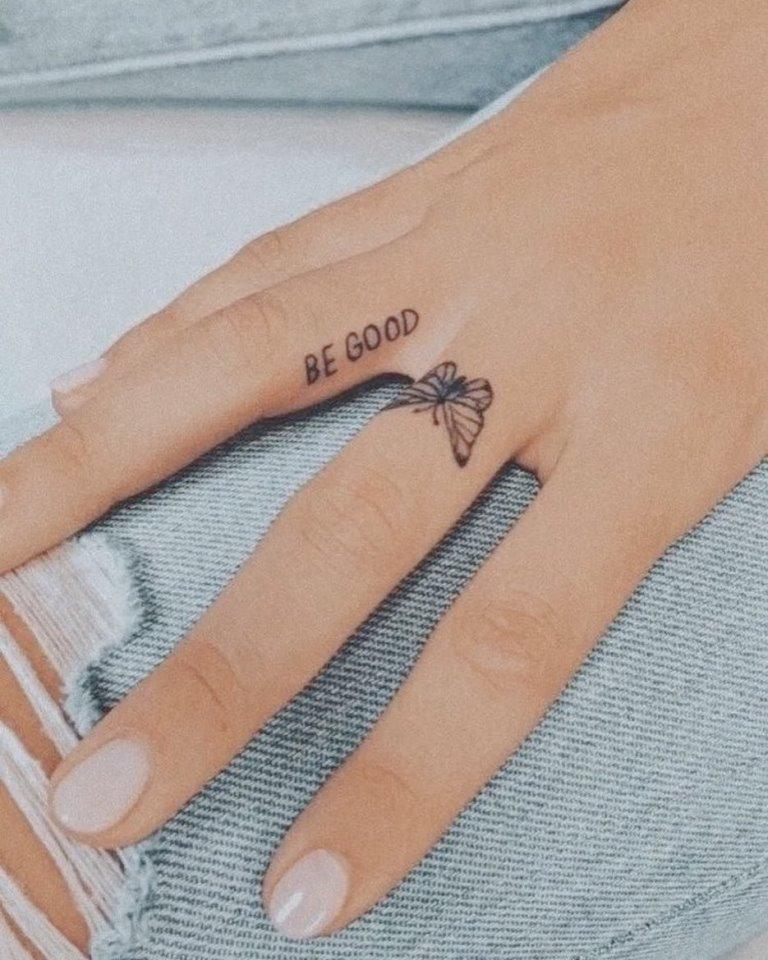 татуировки на пальцах рук для девушек