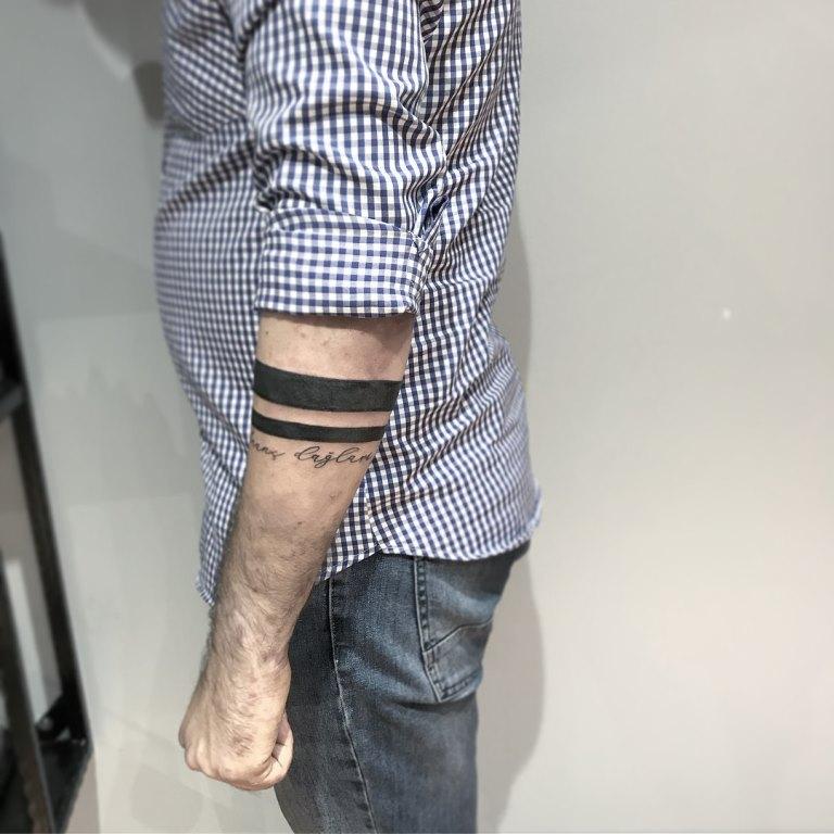 тату две полоски на руке