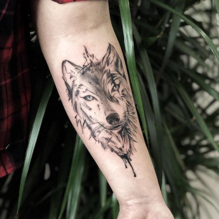 тату волчица