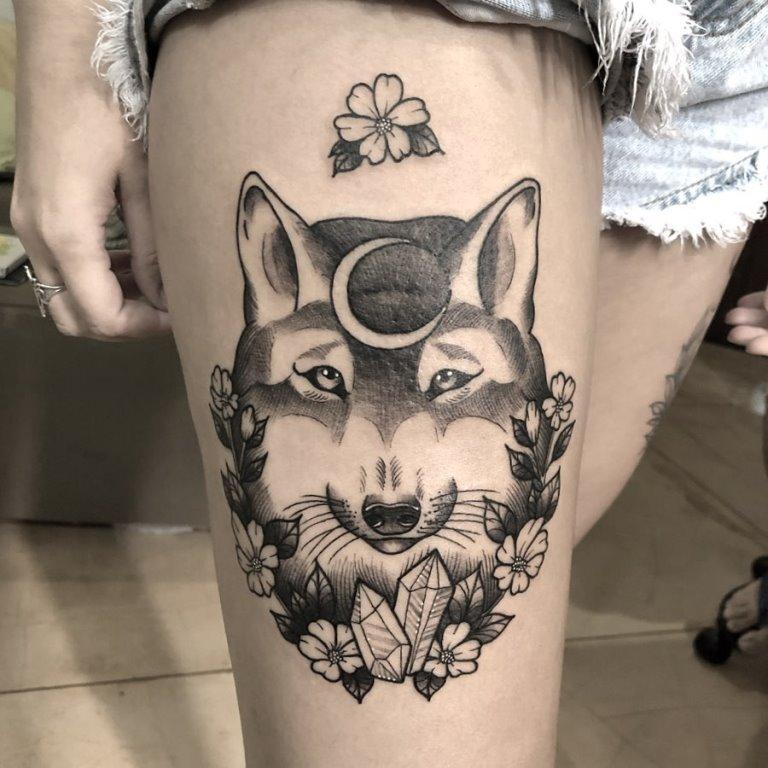 что означает тату волка у девушки