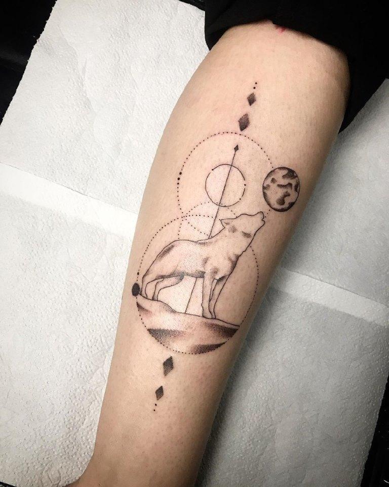 татуировка волка значение для девушек