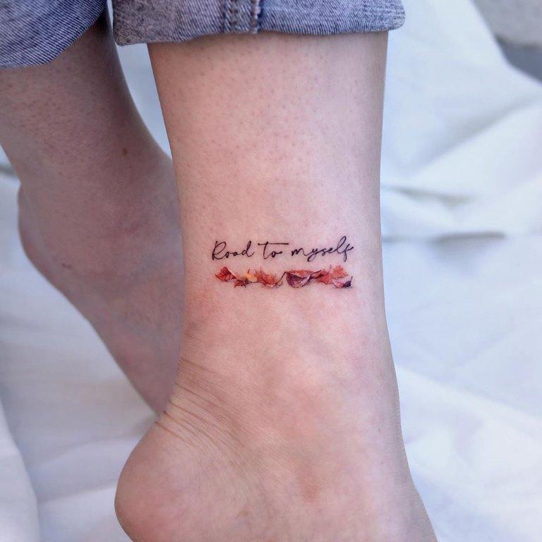 татуировка на щиколотке для девушек фото