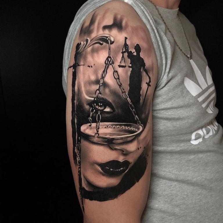 весы татуировка