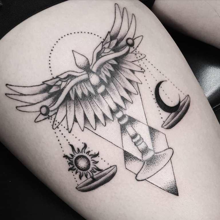 татуировка весы знак зодиака